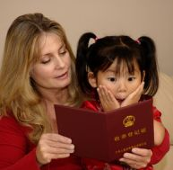 Adopter un enfant est une procédure très longue