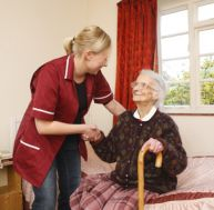 Aménager la chambre de personnes âgées