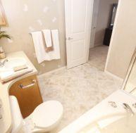 Aménager la salle de bain de personnes âgées