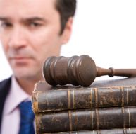 Comment obtenir un conseil juridique en ligne - Comment obtenir un avocat commis d office ...