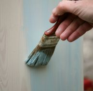 Entretien bois comment entretenir les meubles en bois for Laquer un meuble en bois