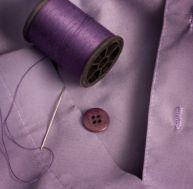 Coudre un bouton sur une chemise