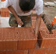 Monter un mur en parpaing for Monter un mur en brique
