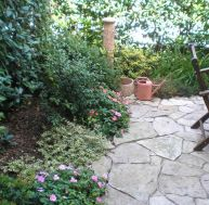 bordure jardin installer des bordures de jardin. Black Bedroom Furniture Sets. Home Design Ideas