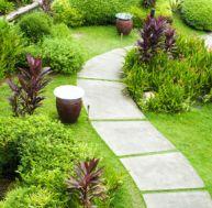 Poser des dalles de jardin
