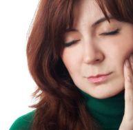 Il existe des dentifrices spéciaux à appliquer sur les dents sensibles