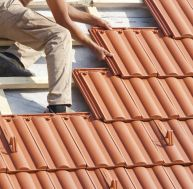 Construire sa toiture avec des tuiles en terre cuite