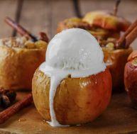 Glace vanille aux pommes carmélisées