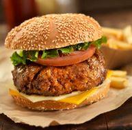 Hamburgers grillés aux tomates