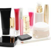 Produits indispensables dans un vanity-case