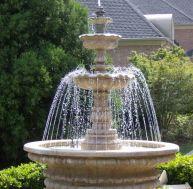 Installer une fontaine de jardin © Bradstone