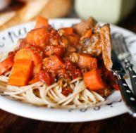 Jarret de veau entier mijoté aux tomates et aux agrumes