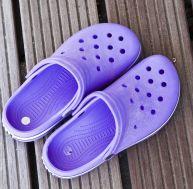 Les Crocs seraient mauvaises pour vos pieds