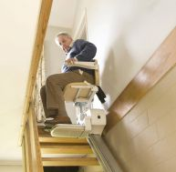 Agencer un petit appartement avec un monte-escalier électrique