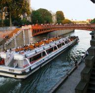 Bateau-Mouche sur la Seine