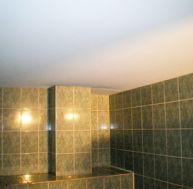 faux plafond pose d 39 un faux plafond fixer l 39 ossature placoplatre enduit. Black Bedroom Furniture Sets. Home Design Ideas
