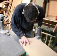 Réaliser des étagères en bois sur tasseaux