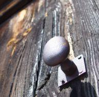 Réparer une porte qui grince