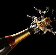 Sabrer une bouteille de champagne
