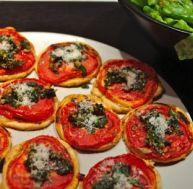 ta/tartelettes-tomate-pesto-noix-parmesan.jpg