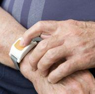 Téléalarme pour personnes âgées : conseils pour bien choisir