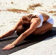 Le yoga et le mal de dos (posture de l'enfant)