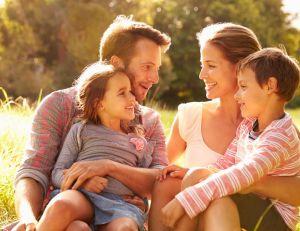 10 bonnes raisons de passer des vacances en famille à la campagne/ iStock.com - MonkeyBusinessImages