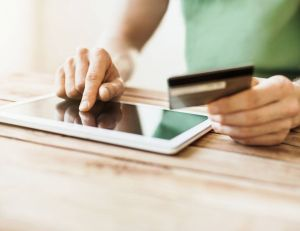 Acheter en ligne : comment trouver le meilleur prix ? Polke / iStock images