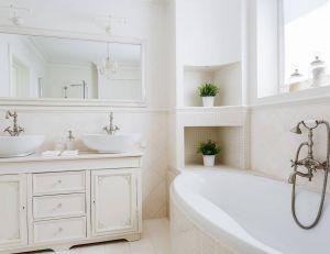 Adapter le modèle des mobiliers de sa salle de bains en fonction du style de l'espace / iStock.com -Katarzyna Bialasiewicz