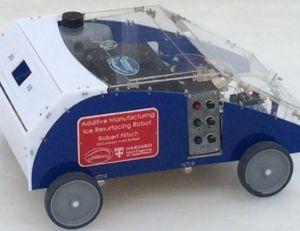 Le robot-imprimante 3D Addibot pourrait à l'avenir résorber les nids de poule voire même construire des routes - copyright Robert Flitsch