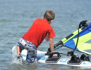 A quel âge s'initier au windsurf ?