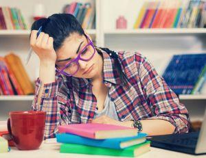 Aider un adolescent à préparer son bac / iStock.com -kajakiki