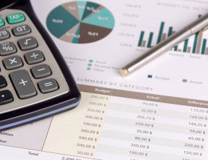 Aides financières à la création d'entreprise / iStock.com - cigdemhizal