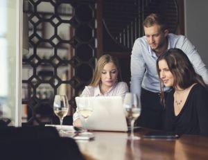 À-t-on le droit de consommer de l'alcool au travail ?