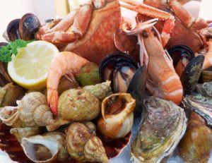 Les poissons et fruits de mer sont particulièrement riches en iode