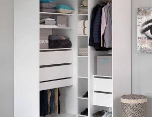 © Alinéa - Comment organiser et ranger un dressing ?