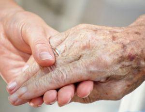 Le point sur l'allocation d'accompagnement d'une personne en fin de vie
