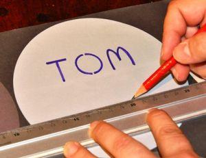 Savoir écrire avec un pochoir à lettre