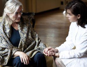 Une équipe de chercheurs britanniques estime que la maladie d'Alzheimer pourrait être transmissible