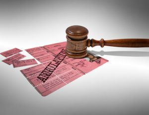 Annulation du permis de conduire par le tribunal
