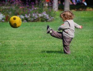 Comment faire jouer son enfant à l'extérieur ?