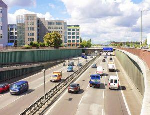 Ségolène Royal a évoqué l'idée d'un abaissement de la vitesse à 90 km/h, sur certains tronçons d'autoroutes...
