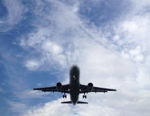 Prendre l'avion un trop grand nombre de fois chaque année aurait des répercussions non négligeables sur la santé... - CC. Wikimedia