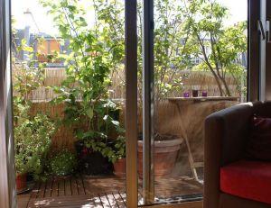 Un balcon arboré