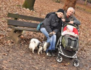 Les enfants aiment passer du temps avec leurs grands-parents