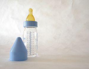 Choisir un biberon pour bébé