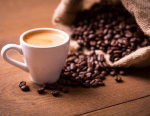 Mieux vaut ne pas dépasser deux deux expressos par jour, ou quatre cafés quotidiens - iStockPhoto