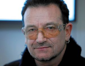 Bono, le chanteur leader du groupe U2, est la pop star la plus riche de la planète - copyright world economic forum / wikimedia commons