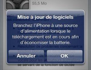 Branchez l'iPhone par sécurité pendant la mise à jour