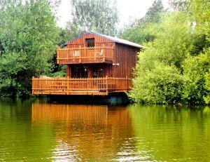 Cabanes flottantes de luxe à Colleville